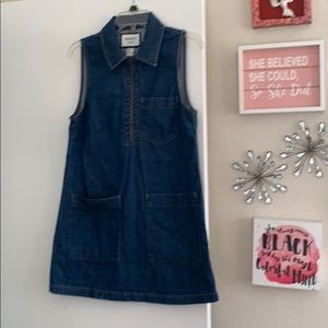 Cute denim 60's style dress with zipper.
